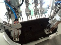 汽车后备箱后隔板塑料扣件手机在线体彩多头焊接铆接机